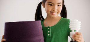 La-importancia-de-enseñar-a-nuestros-hijos-con-el-ahorro-de-energia
